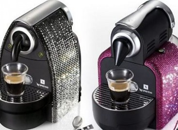 Café expresso com cristais Swarovski
