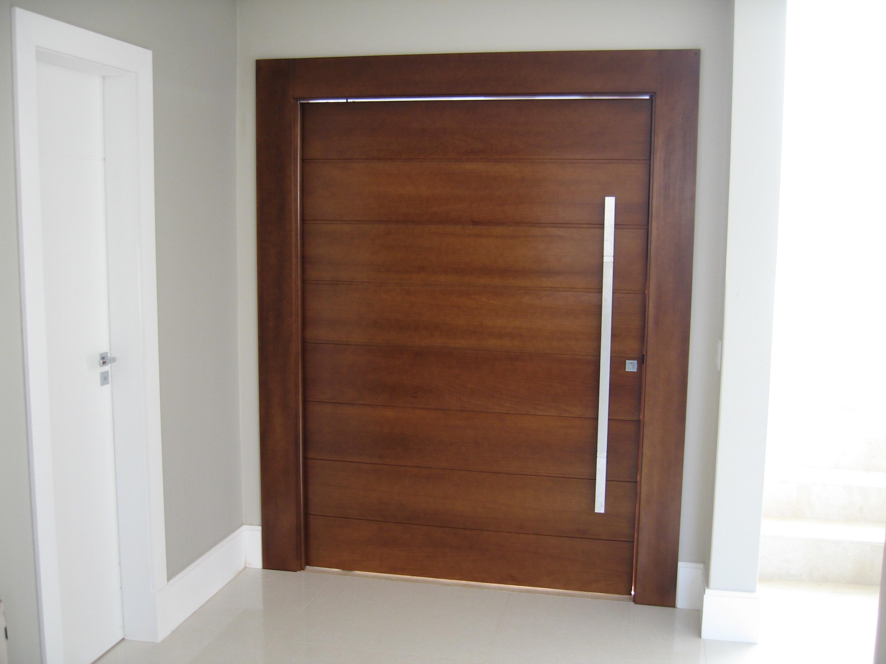 #673C2A Porta Acústica de Madeira Maciça Reforma Fácil 1204 Portas E Janelas De Madeira Em Valinhos