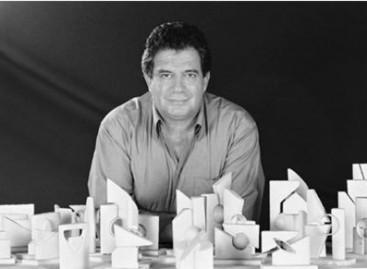 Maquetista e escultor Adhemir Fogassa na Mega Artesanal 2009