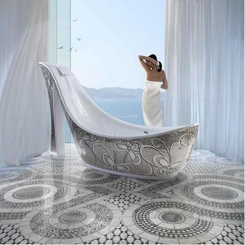 """Banheiros: banheira """"sapato"""" uma obra de arte"""