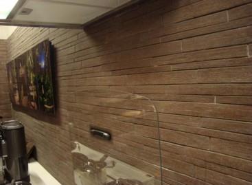 Revestimentos de madeira e cerâmica