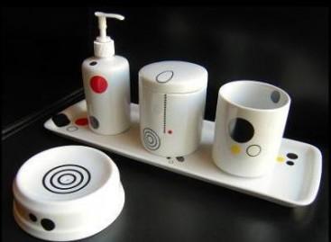 Porcelanas brancas decoradas