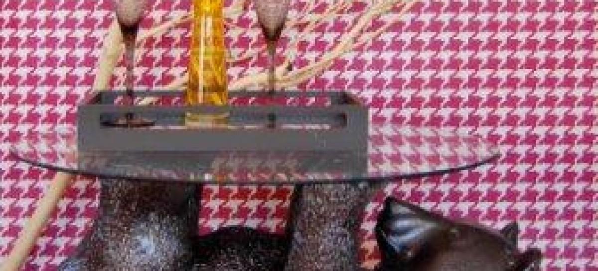 Mesa com formato de urso