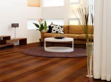 Como conservar pisos de madeira