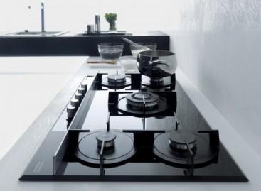 Cozinha elegante com forno italiano