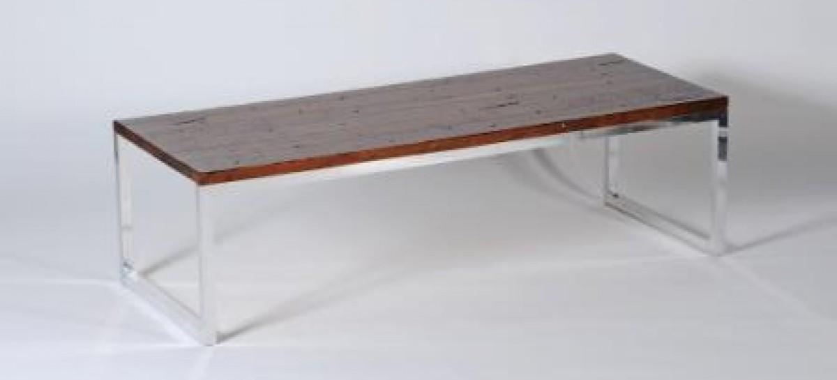 Mesa com madeira de demolição