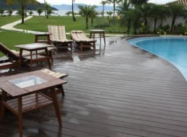 Deck com madeira ecológica