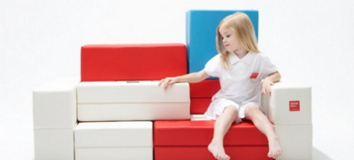 Sofá quebra-cabeça para as crianças