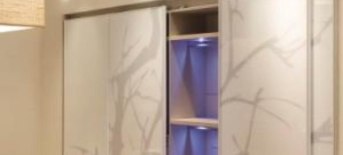 LED na cozinha e no closet