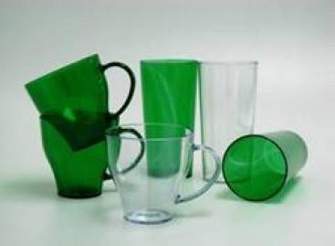 Plásticos resistentes para utensílios domésticos