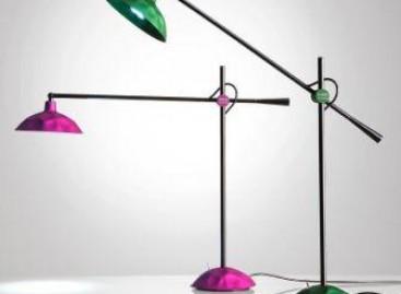 Luminária de mesa com efeito amassado