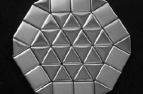 Mosaicos metalizados