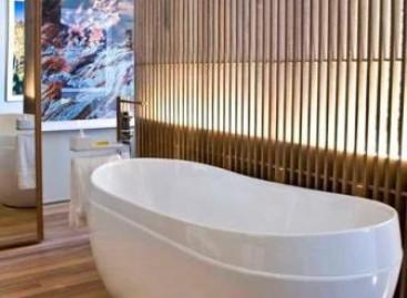 Banheira com acrílico e cromoterapia