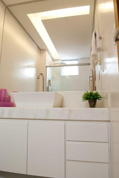 Projeto de Iluminação no banheiro, das decoradoras da VS Design, Fabiana Visacro e Laura Santos