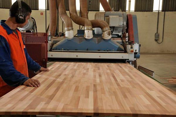 Produção Madeira Laminada Colada - Rewood
