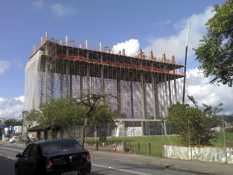 Construção invertida - Prédio IAB Joinville