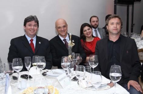 Prêmio Incorporador do Ano 2012 elege vencedor na categoria ''Empreendimento do Ano''.