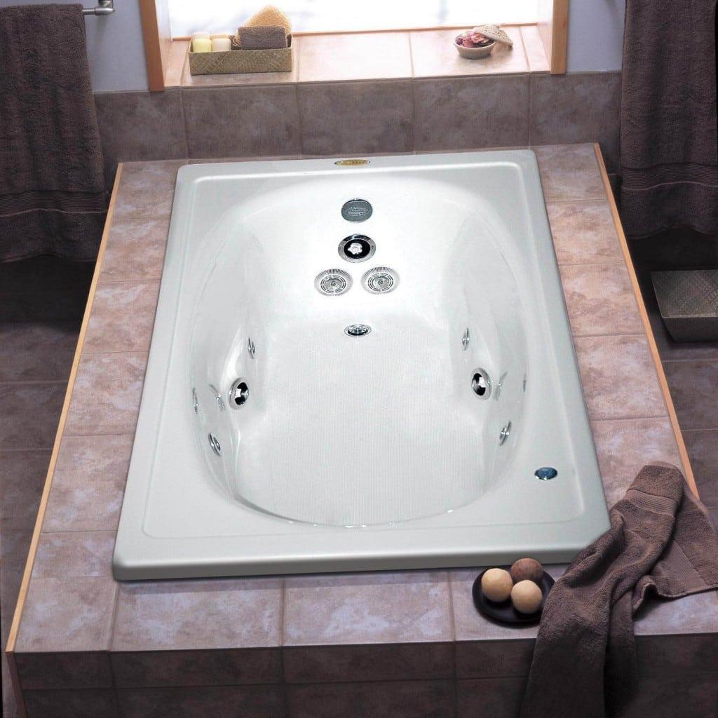 Banheira retangular (Foto: Divulgação) #935F38 1024x1024 Banheiro Com Banheira Redonda