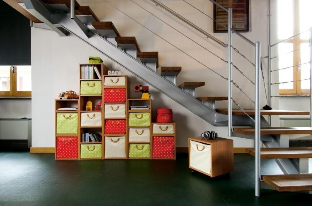 O Espaço embaixo da escada permite inúmeras possibilidades, basta criatividade e bom gosto. (Foto: Divulgação)