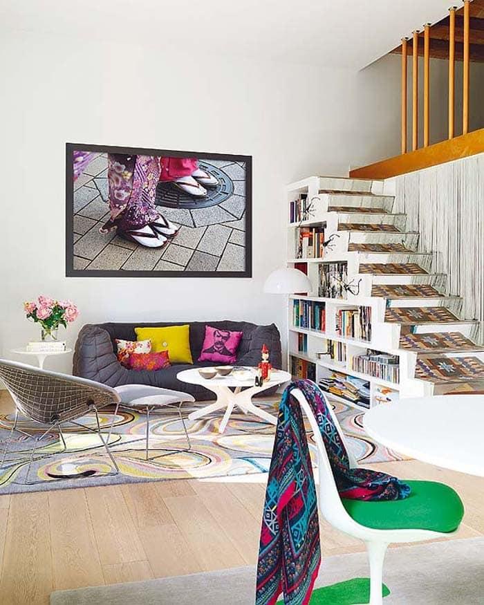 Dicas para utilizar sua criatividade e otimizar o espaço embaixo da escada (Foto: Dovilgação)