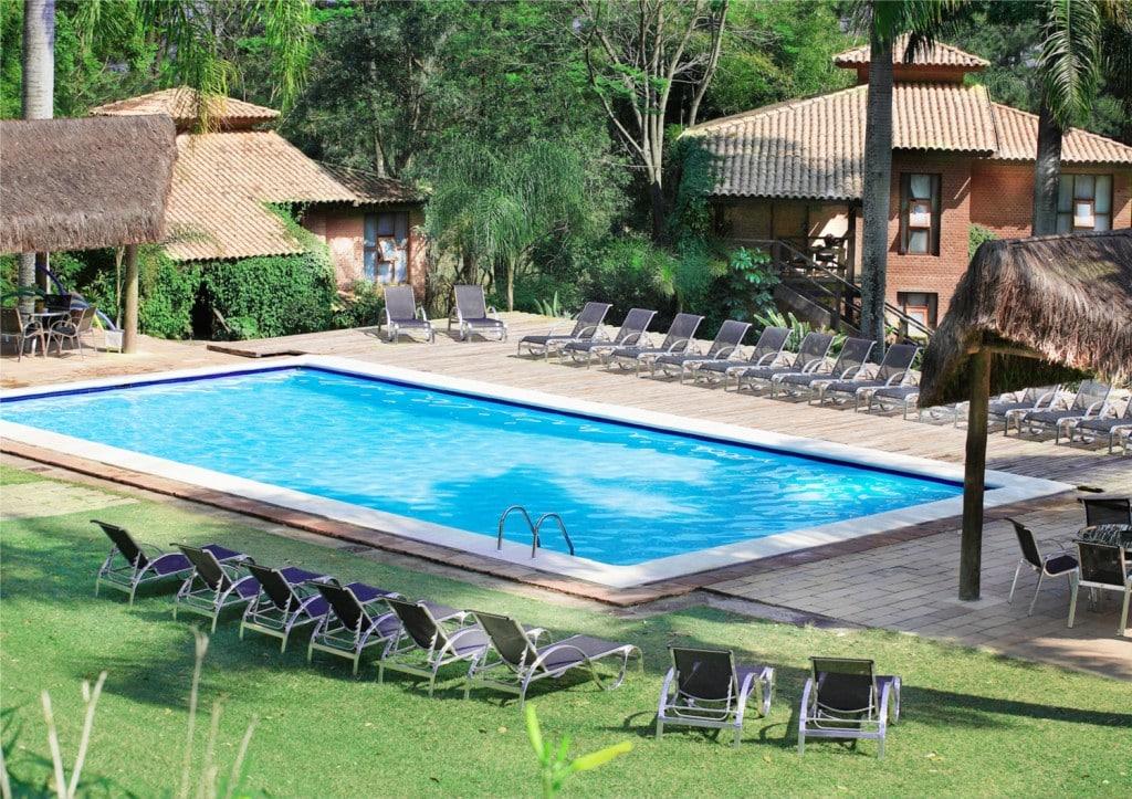 Qual o melhor local para fazer uma piscina