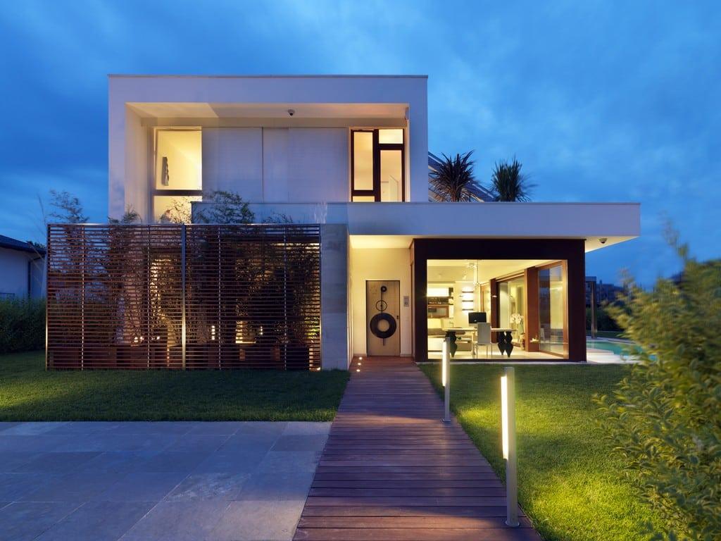 A fachada sem telhado permite construir uma edificação muito personalizada (Foto: Divulgação)