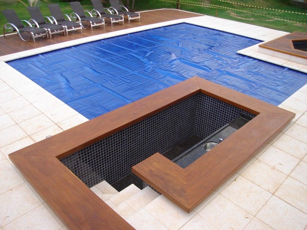 Capas para piscinas veja modelos e dicas reforma f cil for Modelos de piscinas campestres