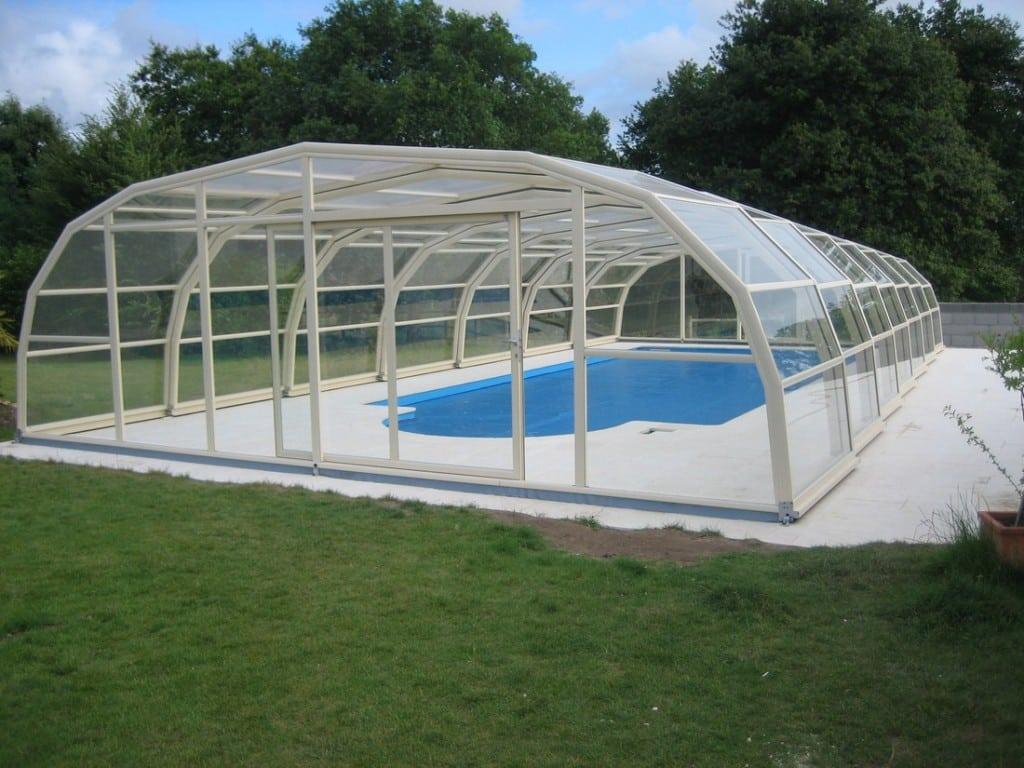 Cobertura para piscinas tipos e vantagens reforma f cil for Cobertura piscina
