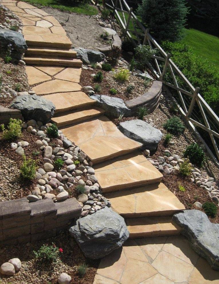 Escada de pedra, saiba mais sobre esse elemento! (Foto: Divulgação)