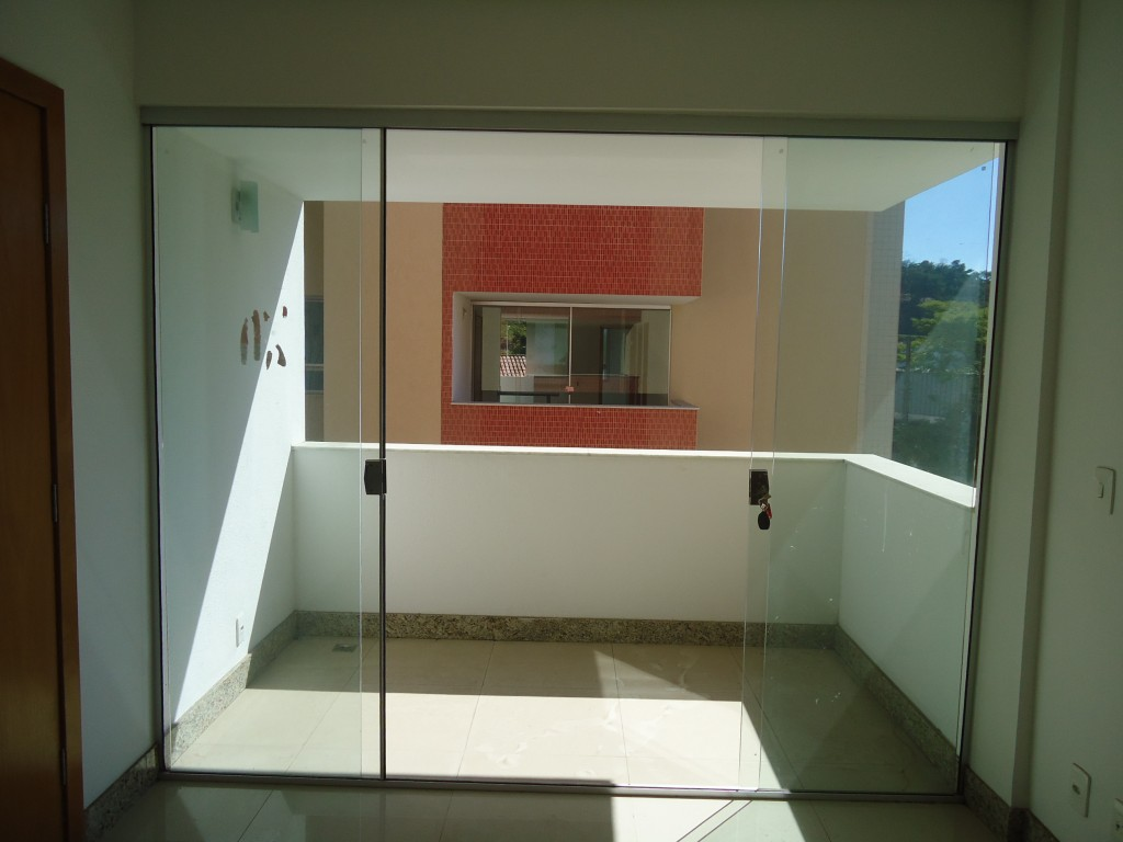 #2474A7 Portas e janelas blindex (Foto: Divulgação) 292 Janelas De Vidro São Seguras