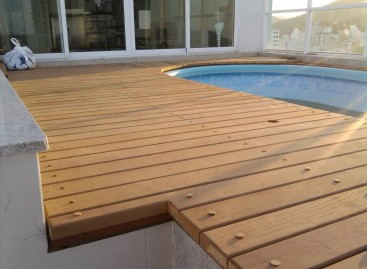 Deck para piscina, modelos
