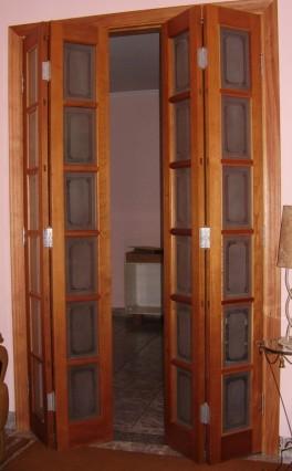 Porta articulada ou porta camarão