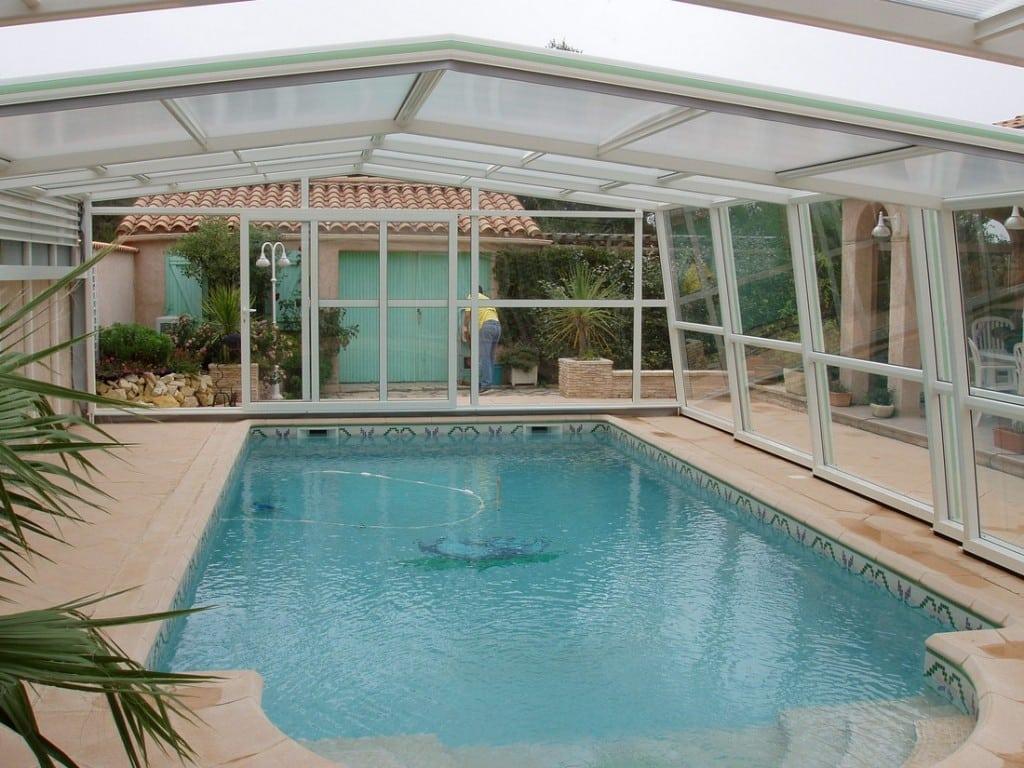 Cobertura para piscinas tipos e vantagens reforma f cil for Coberturas para piscinas