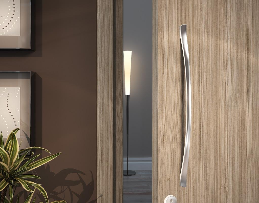 Puxadores para portas: como escolher? (Foto: Divulgação) #836748 1024x802 Banheiro Com Duas Portas De Entrada