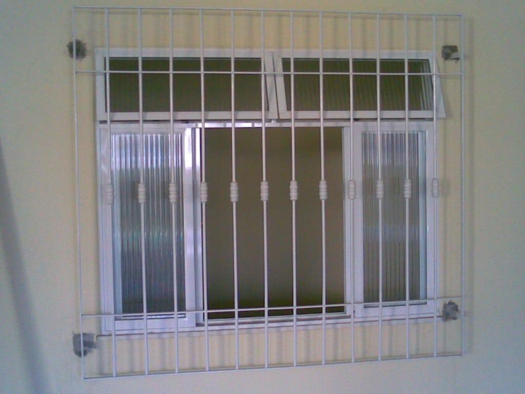 #5C5774 Grades para janelas vantagens e modelos (Foto: Divulgação) 1326 Preço De Janelas De Aluminio Em Juiz De Fora