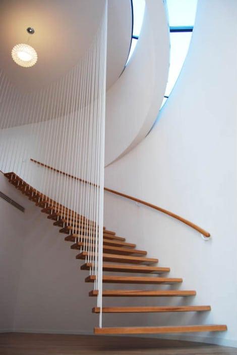 Escada de madeira. (Foto: Divulgação)