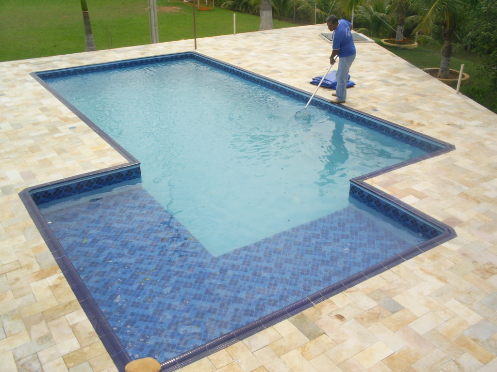 Tratamento de piscinas por que importante reforma f cil for Piscina barata