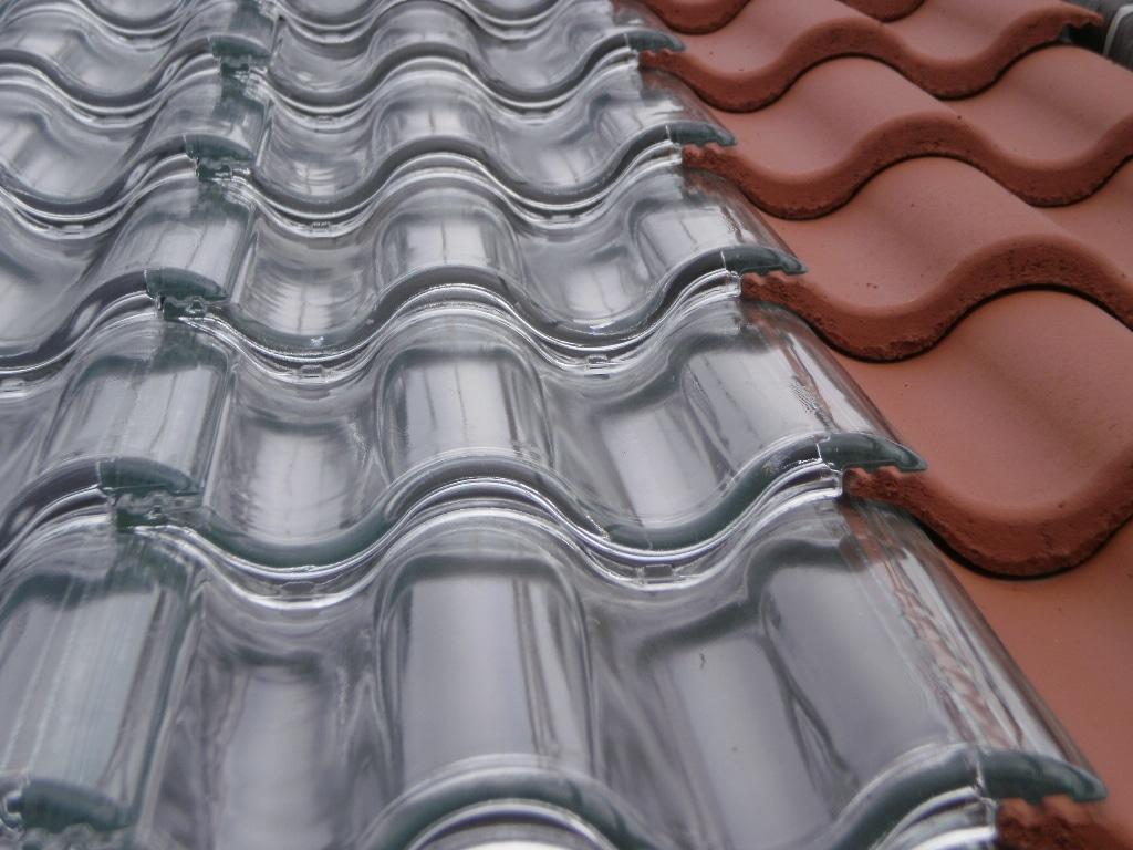 As telhas de vidro podem ser combinadas a outros modelos (Foto: Divulgação)