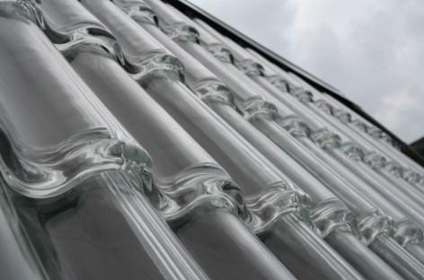 Telha de vidro: vantagens e desvantagens