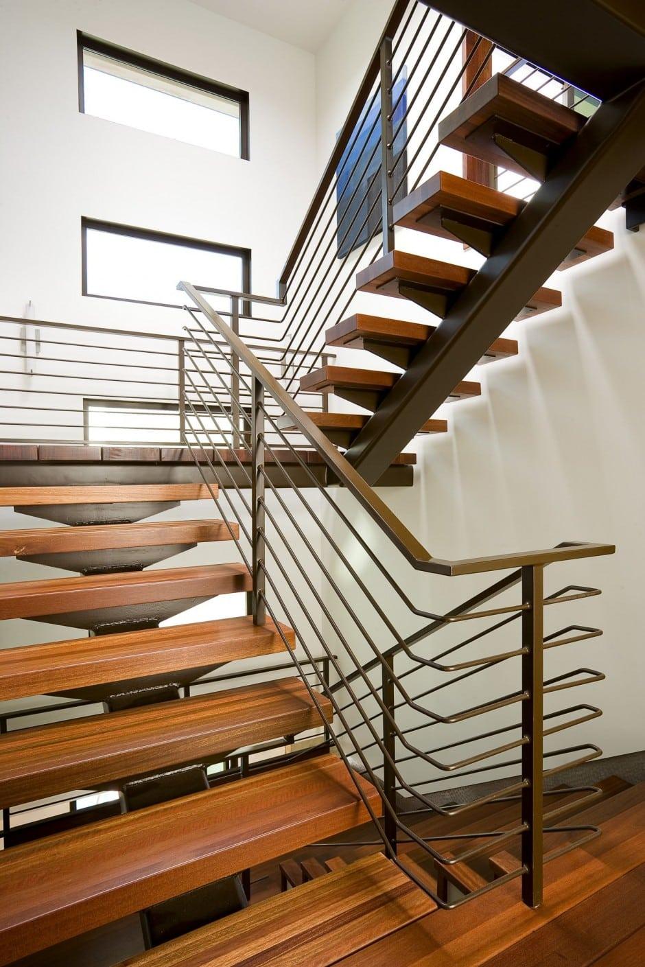 Escada com degrau vazado. (Foto: Divulgação)