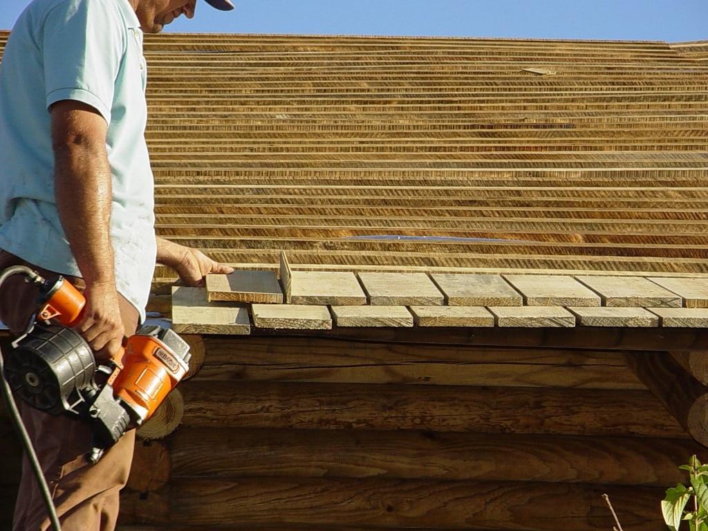 Telha de madeira: vantagens e desvantagens. (Foto: Divulgação)