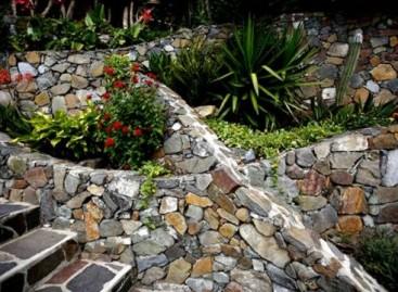 Paisagismo, Muros de pedras