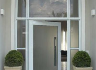 Esquadrias de alumínio renovam projetos de arquitetura