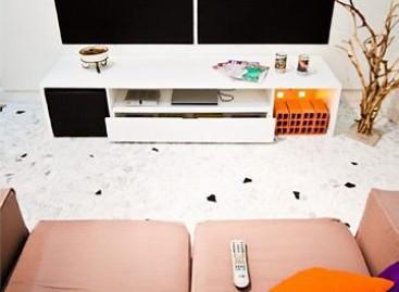 ABRA expõe sala mobiliada com menos de R$ 1 mil