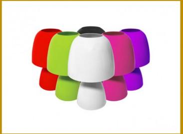 Enriqueça a casa com abajures coloridos