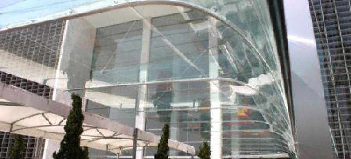 Marquise com vidros laminados
