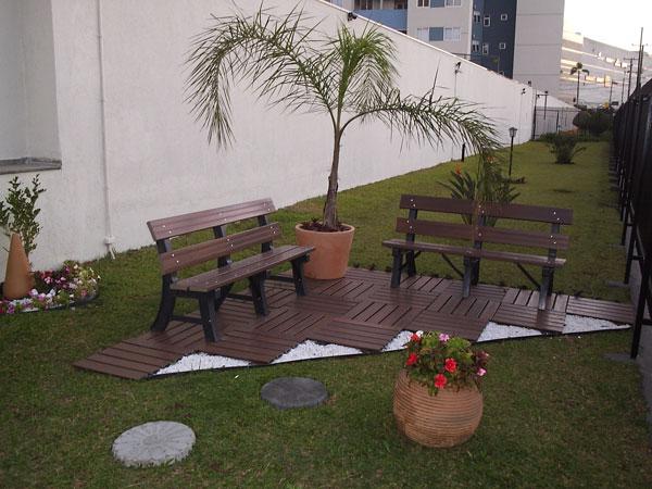 Banco de praça 3 lugares feito de madeira plástica - Fibromix