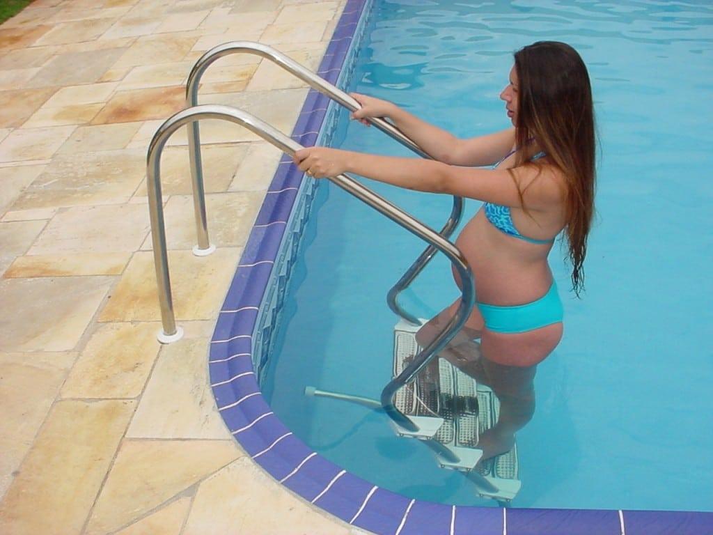 Escadas para piscina - Modelo Reforçado