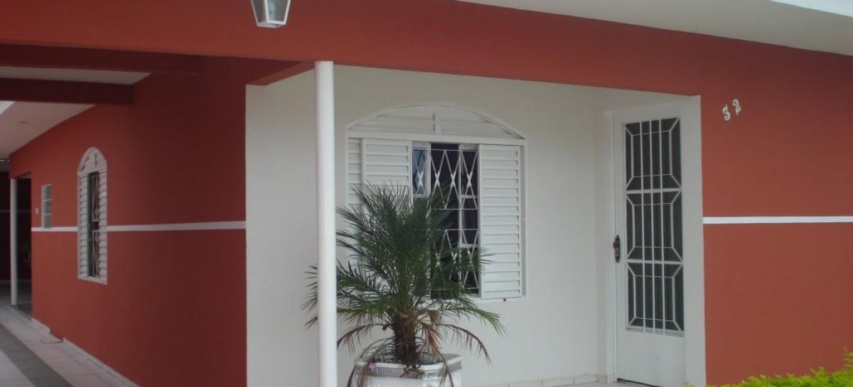 Como renovar a pintura de portas e janelas